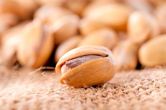 vaincre-la-dmla-manger-des-pistaches